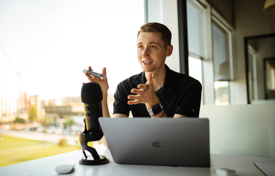 5 Ways to Leverage Podcast Features in Your Marketing Strategy